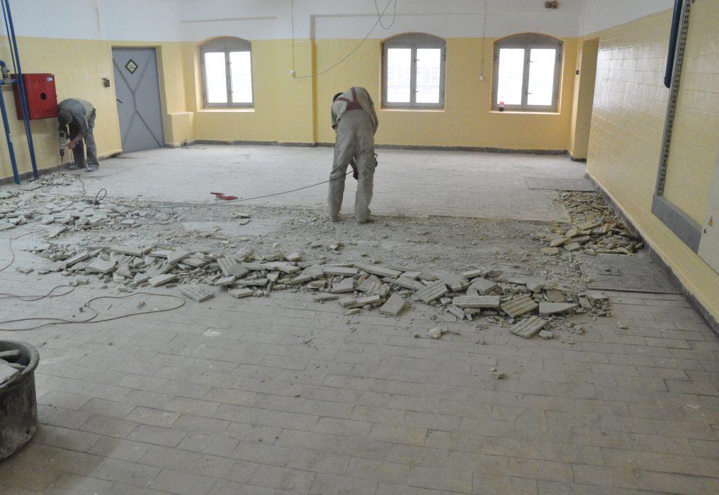 Na czym polega naprawa posadzki betonowej?