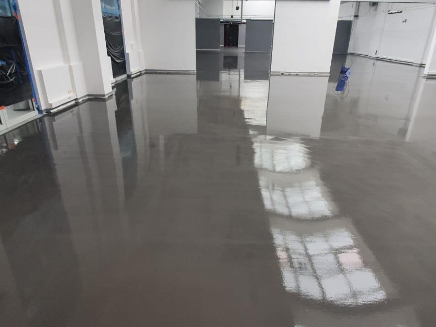 Frezowanie betonu + wylewka samopoziomująca